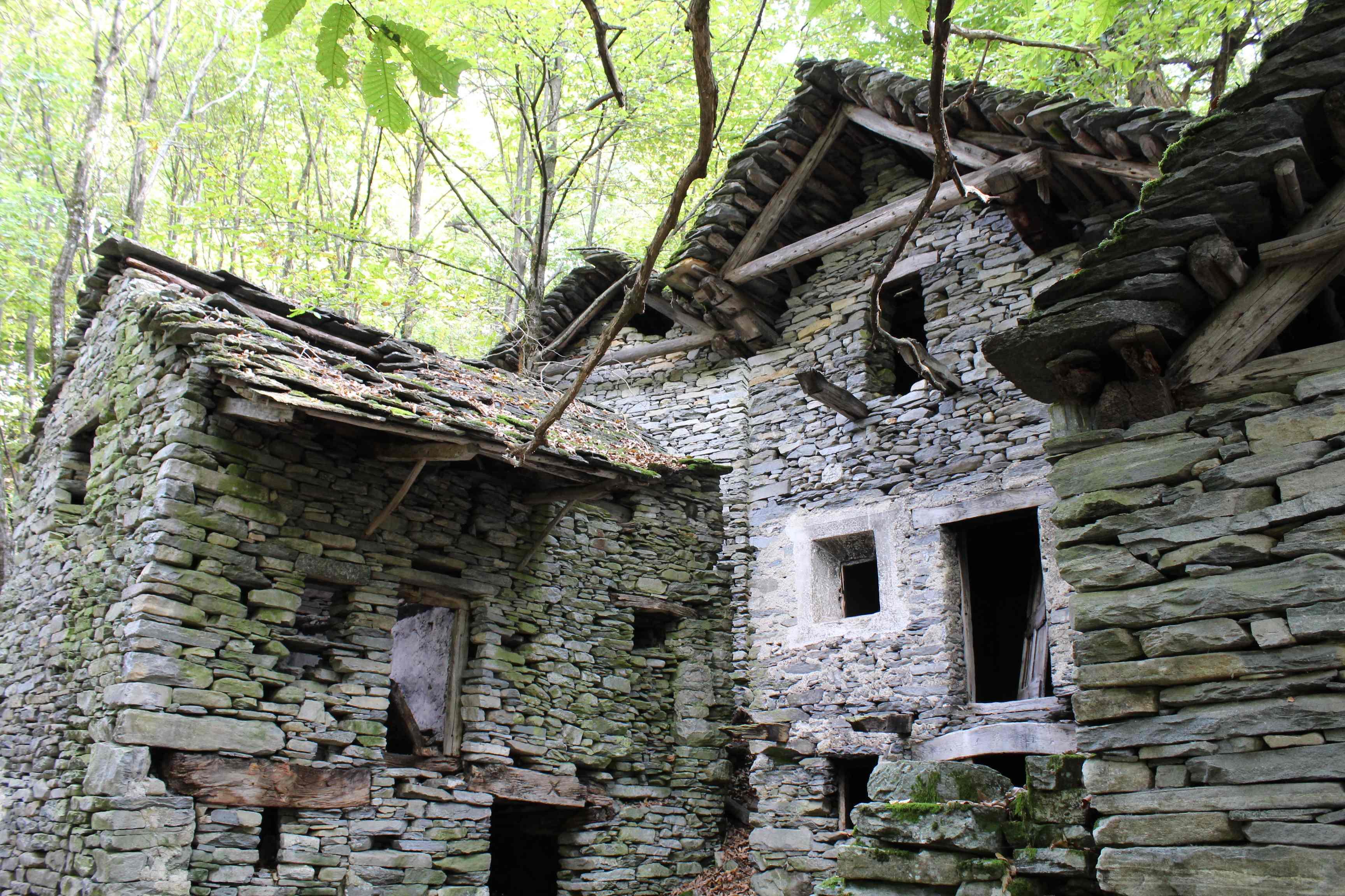 Azione settimanale di migros ticino di terrazzi e di for Case in pietra e tronchi