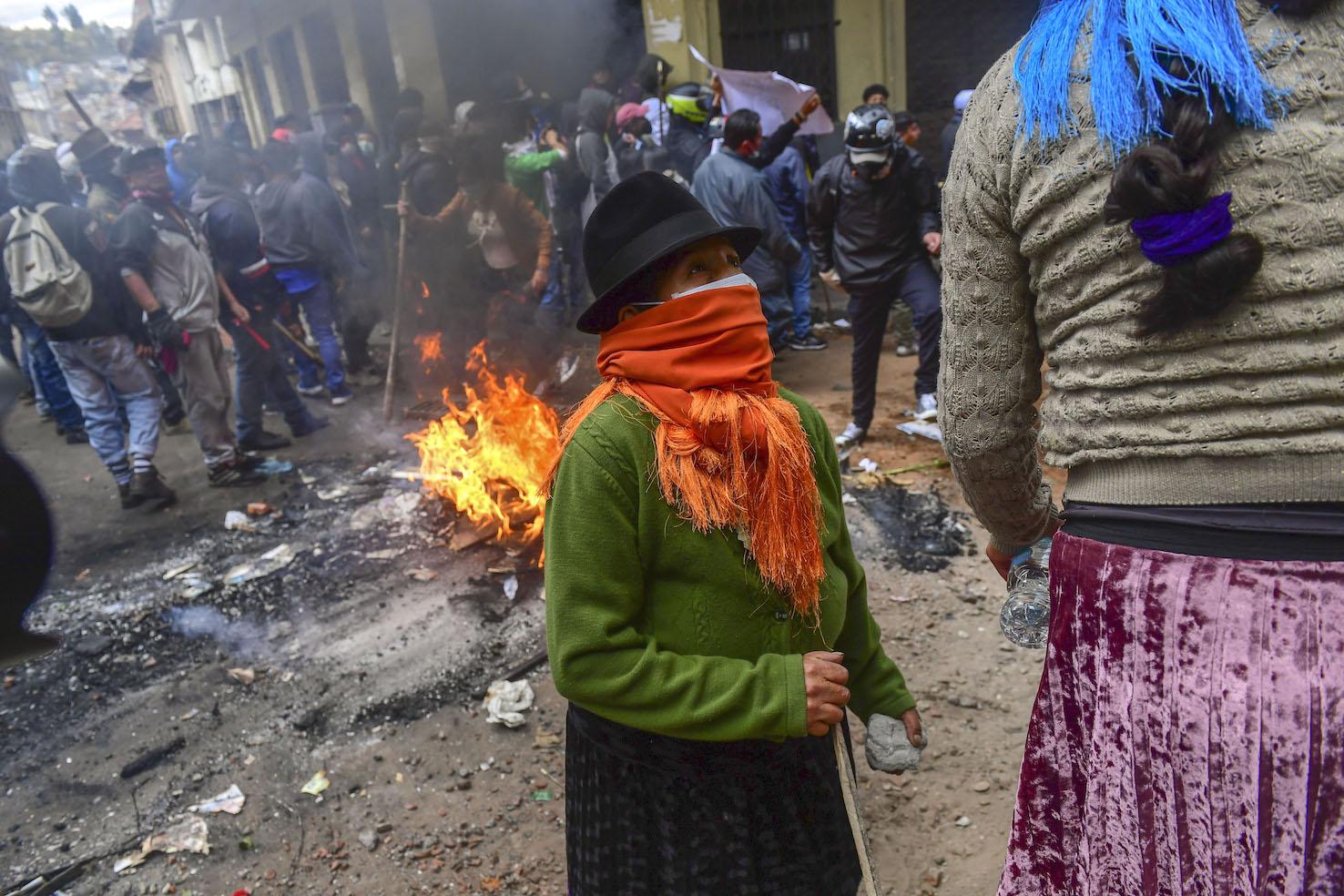 Risultati immagini per ecuador indigeno riot